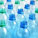 Opnieuw gebruiken van plastic flesjes is slecht
